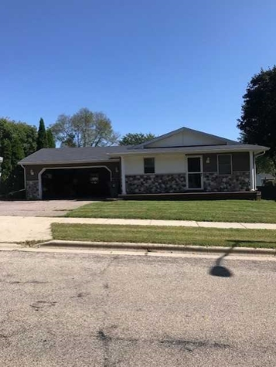 Sauk County Single Family Home For Sale: 818 Connie Rd