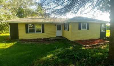 Beloit Single Family Home For Sale: 7817 W Hwy 81