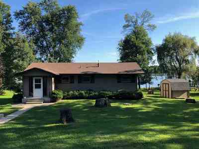 Columbia County Single Family Home For Sale: W661 Oak Shore Dr