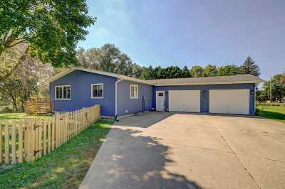 Rock County Single Family Home For Sale: 403 S St Josephs Cir