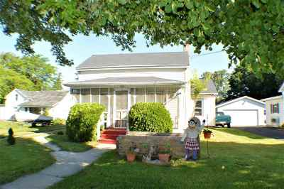 Walworth County Single Family Home For Sale: 712 E Main St