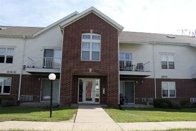 Wisconsin Dells Condo/Townhouse For Sale: 33a Grand Canyon Dr #207