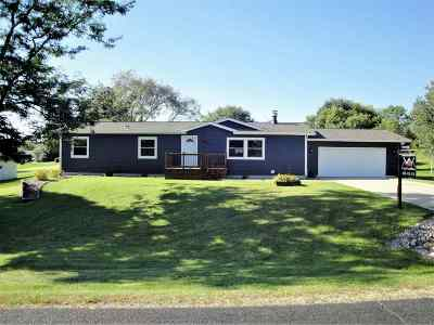 Oregon Single Family Home For Sale: 945 Wesley Rd