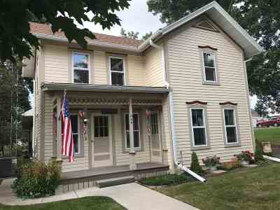 Columbia County Single Family Home For Sale: 225 S Madison St