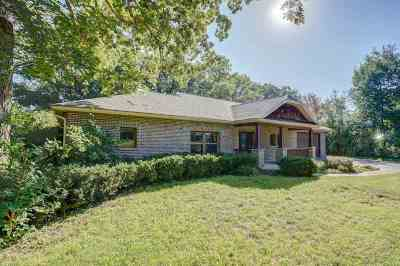 Stoughton Single Family Home For Sale: 2100 Yahara Dr