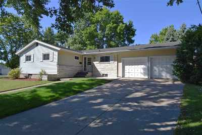 Sauk County Single Family Home For Sale: 301 N Willow St