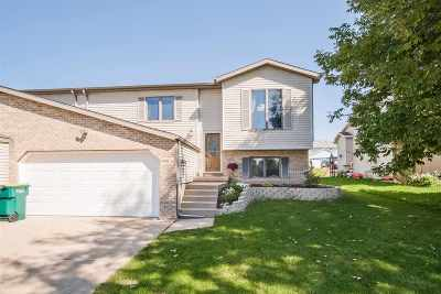 Cottage Grove WI Single Family Home For Sale: $241,500