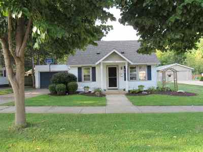 Janesville Single Family Home For Sale: 1526 Myra Ave