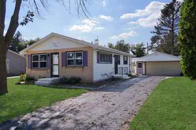 Janesville Single Family Home For Sale: 2220 S Marion Ave