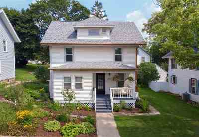 Mount Horeb Single Family Home For Sale: 217 S 6th St