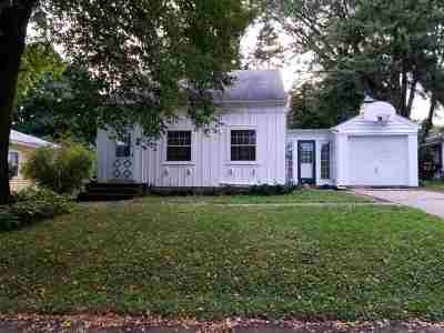 Madison Single Family Home For Sale: 572 Toepfer Ave
