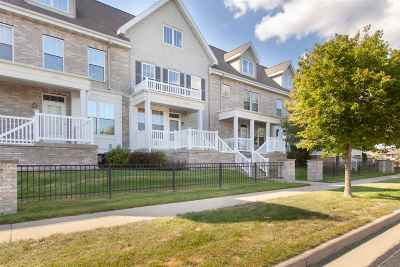 Fitchburg Condo/Townhouse For Sale: 2773 Crinkle Root Dr