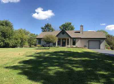 Walworth County Single Family Home For Sale: W8829 County Road X