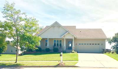 Deerfield WI Single Family Home For Sale: $309,900