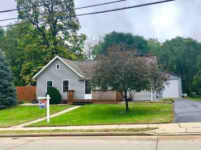 Rock County Single Family Home For Sale: 20 Lord St