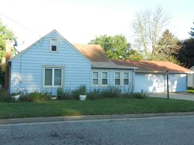 Dodge County Single Family Home For Sale: 717 Werner St