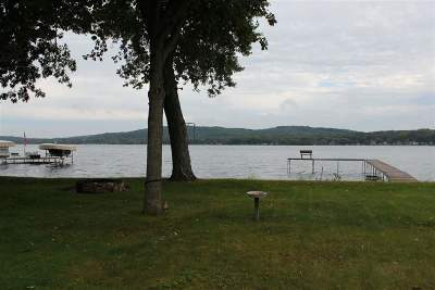 Columbia County Single Family Home For Sale: N3259 Tipperary Point Rd
