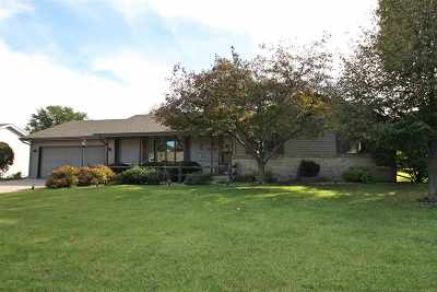 Janesville Single Family Home For Sale: 4514 Oldwyck Dr