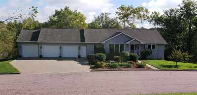 Single Family Home Sold: 398 Creek Dr