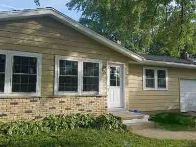 Sun Prairie Single Family Home For Sale: 1321 Buena Vista Dr