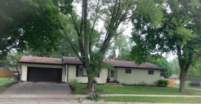 Stoughton Single Family Home For Sale: 1005 Johnson St