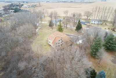 Dodge County Single Family Home For Sale: N7697 Indian Hills Tr