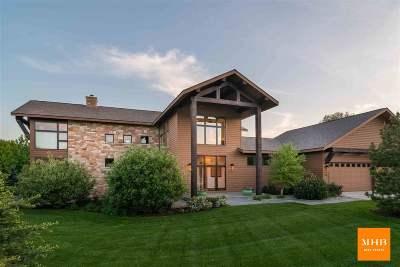 Dane County Single Family Home For Sale: 3895 Nicolet Cir