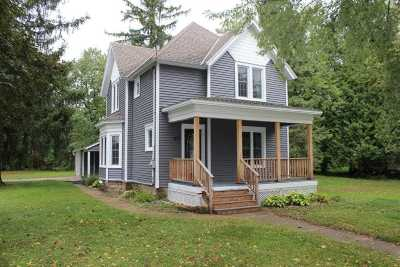 Pardeeville Single Family Home For Sale: 217 S Main St