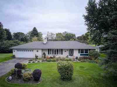 Waunakee Single Family Home For Sale: 5540 Gerend Rd