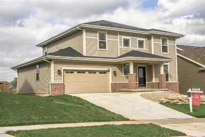 Sun Prairie Single Family Home For Sale: 385 Hallmark Way