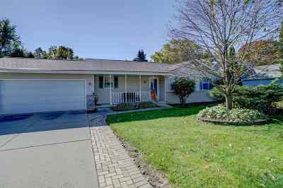 Deforest Single Family Home For Sale: 725 W Mohawk Tr