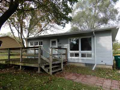 Edgerton Single Family Home For Sale: 306 Quigley St