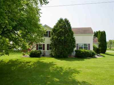 Stoughton Single Family Home For Sale: 755 Hwy 51