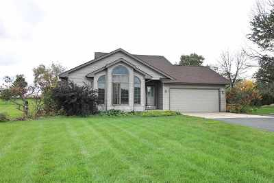 Janesville Single Family Home For Sale: 6429 W Lynne Dr