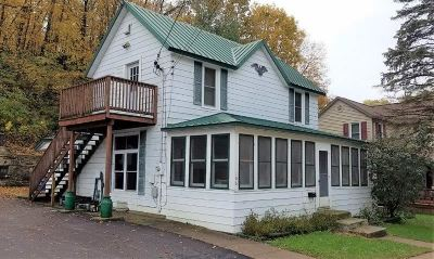 Potosi Single Family Home For Sale: 106 S Main St