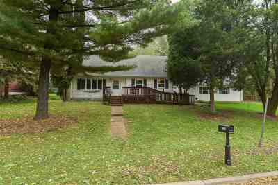 Madison WI Single Family Home For Sale: $299,999