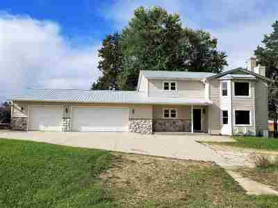Pardeeville Single Family Home For Sale: N8124 Hwy 44