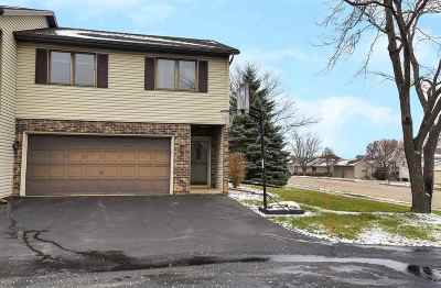 Sun Prairie Condo/Townhouse For Sale: 132 White Tail Dr