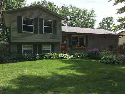 Evansville Single Family Home For Sale: 479 W Liberty St