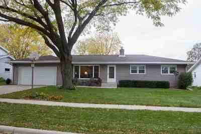 Waunakee Single Family Home For Sale: 605 5th St