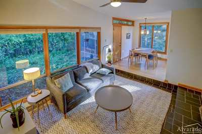 Madison WI Single Family Home For Sale: $320,000