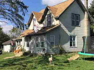 Walworth County Single Family Home For Sale: 144 Seymour St