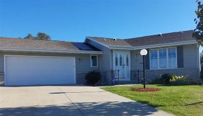 Janesville Condo/Townhouse For Sale: 728 Nantucket Dr