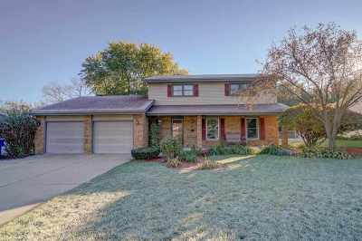 Janesville Single Family Home For Sale: 822 Somerset Dr