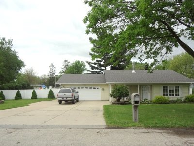 Green County Single Family Home For Sale: 1006 18th St