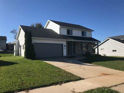 Sun Prairie Single Family Home For Sale: 1067 Derby Dr