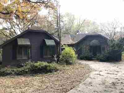 Deerfield Single Family Home For Sale: 1787 Strawberry Rd