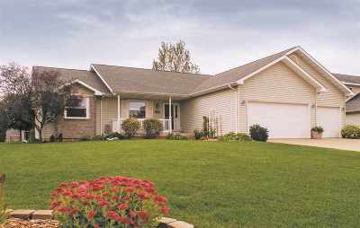 Sun Prairie Single Family Home For Sale: 1275 Chipper Ln