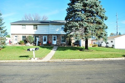 Mount Horeb Multi Family Home For Sale: 642 Sheila St