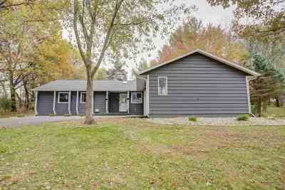 Middleton Single Family Home For Sale: 8691 Plainfield Rd